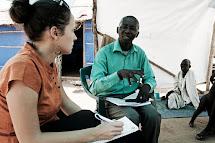 Martina Voháňková při práci v Jižním Súdánu. (Foto: Jan Mrkvička, ČvT)