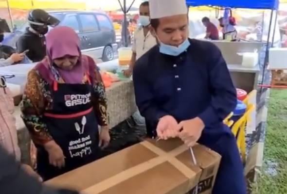 Ebit Lew beli khemah, bantu peniaga bazar Ramadan terjejas akibat ribut