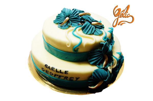 wedding-cake-hibiscus-bleus-ptte.jpg