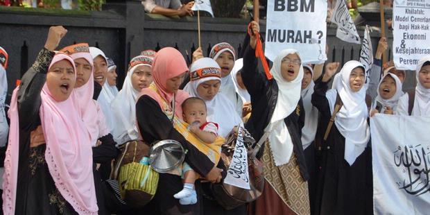 Barisan Emak-Emak Militan nan Sholeha
