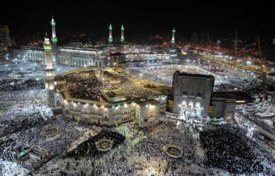 Arab Saudi Setop Sementara Umrah, Travel Umrah di Daerah Panik