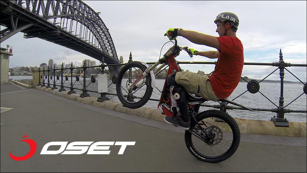 OSET_jack_field_sydney_loc_04_promenade_stunts_05b.jpg