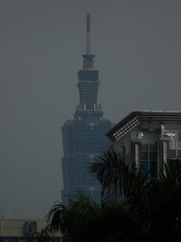 TAIWAN . Taipei De Shandao Temple jusqu à T 101 à pied... - P1160249.JPG