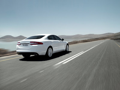 Jaguar-XF_2012_1600x1200_Rear_Angle_02