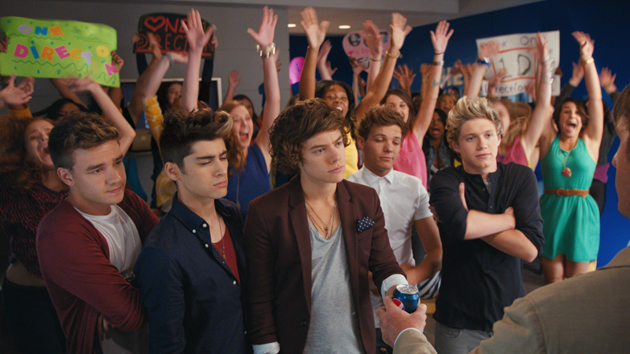 Drew Brees and One Direction The Pepsi Showdown Commercial Go Behind The Scenes