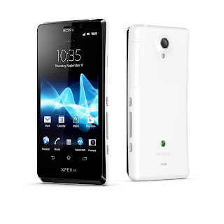 6_XperiaT_White_Group.jpg