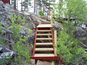 Början på nya trappen, men den är inte klar ennu!