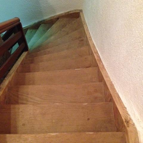 Treppe die der Kuschelbär heruntergefallen ist