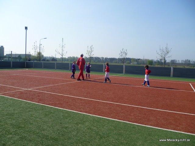 Veľkonočný medzinárodný ZLATÝ futbalový turnaj ČSFA (17.4.2011) - P1020038.JPG
