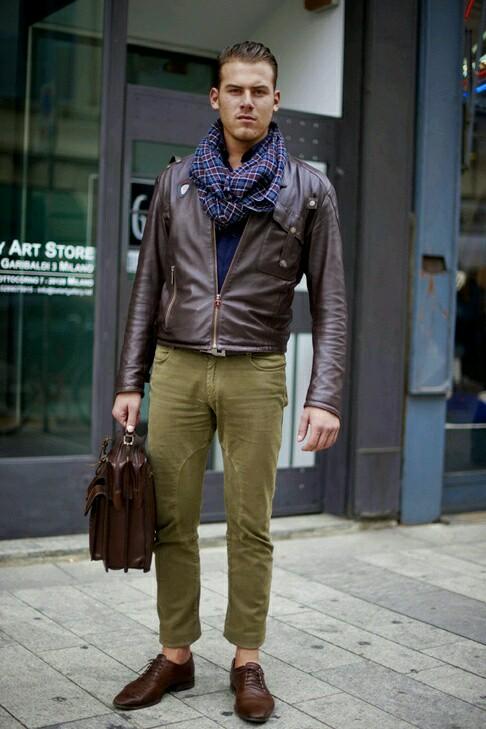 靴、ベルト、鞄といった小物について