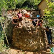 Mur rond en pierre 2