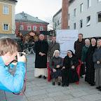 Die Rote Ordenscouch am Johannesplatz in Lienz - 12. November 2015