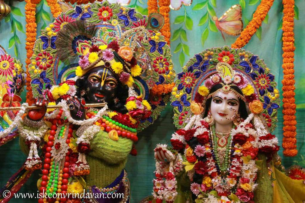 ISKCON Vrindavan Sringar Deity Darshan 18 Dec 2015 (16)