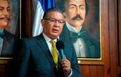 Instituto Duartiano en desacuerdo con retiro estatua de Colón en parque