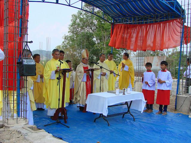 Hình ảnh lễ đặt viên đá xây dựng nhà thờ Diên Đồng, ngày 01.05.2015
