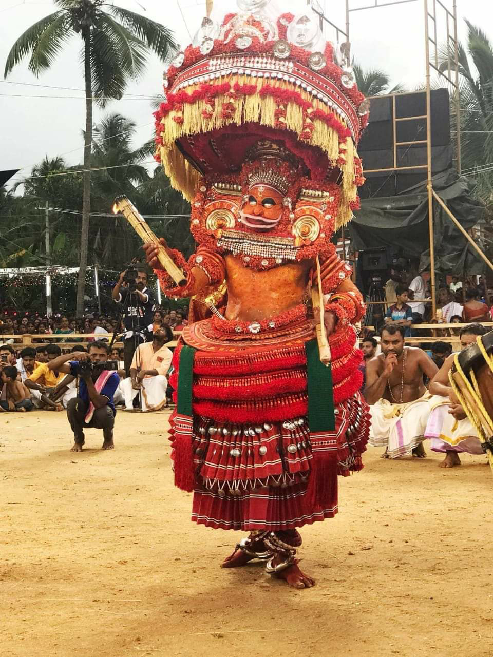 Vayanattu Kulavan Theyyam - Thondachan photo