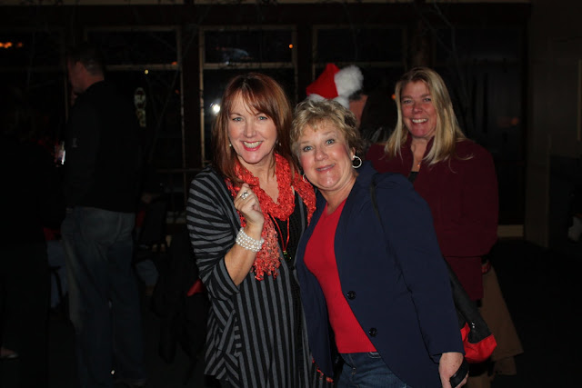 2009 Clubhouse Christmas Decorating Party - IMG_2577.JPG