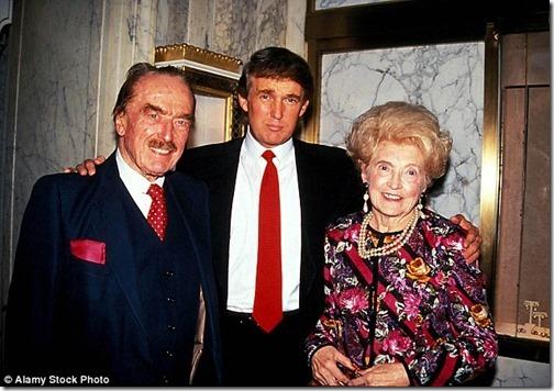 trump con sus padres