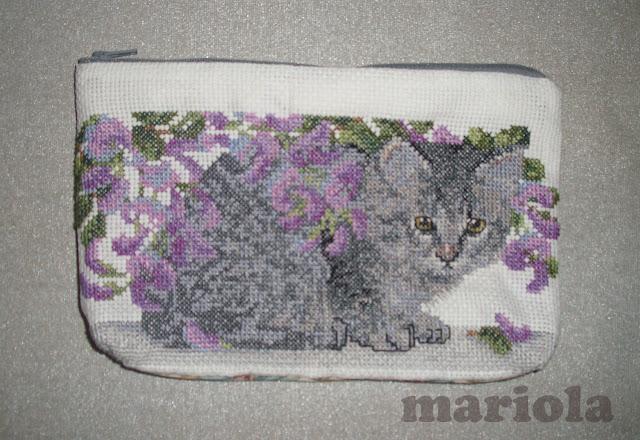Kosmetyczka z kotkiem