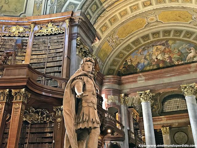 biblioteca-nacional-de-austria-viena.JPG