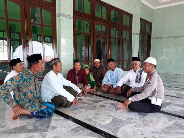 BHABINKAMTIBMAS SELALU DEKAT DENGAN WARGA DESA GANGGANG PANJANG