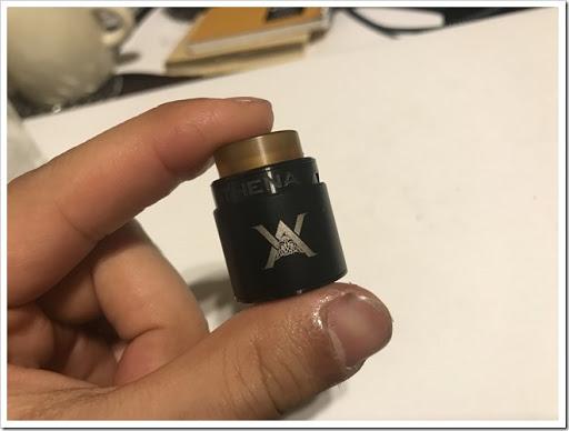 IMG 6173 thumb - 【コンパクトで可愛いやつ】Geekvape Athena Squonk Kit with BF RDA-Black(ギークベープアテナスコンクキット)レビュー!小型化されたメカニカルスコンカー!いつでも供給!漏れなしのトップエアフロー!