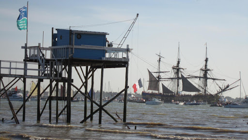 Hermione first exit from Charente river to Atlantic ocean