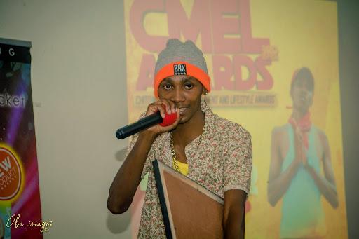 R Peels reimagines the Urban Grooves era through rap