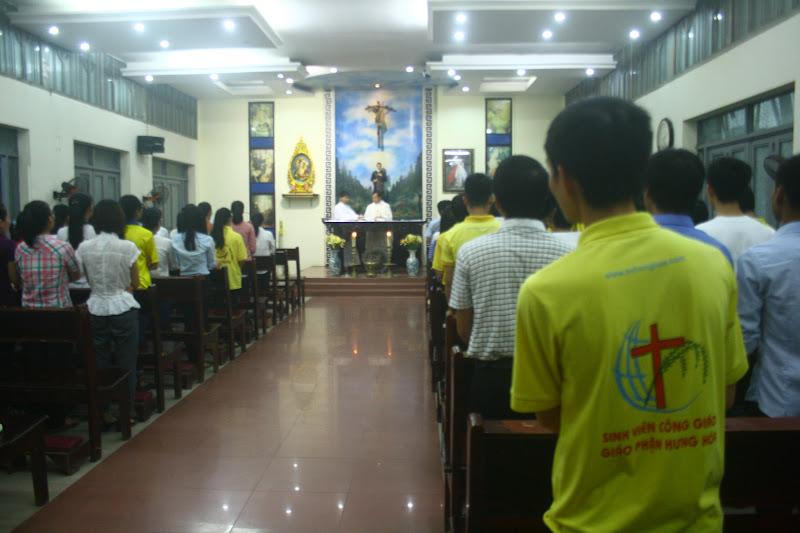 Thánh lễ thường kỳ của sinh viên Hưng Hóa tại Hà Nội ngày 8/9/2015