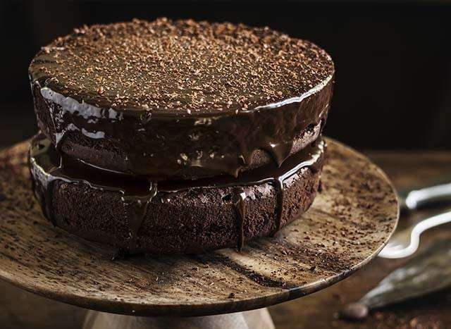 كيفية صنع كعكة باستخدام قدر بخاري