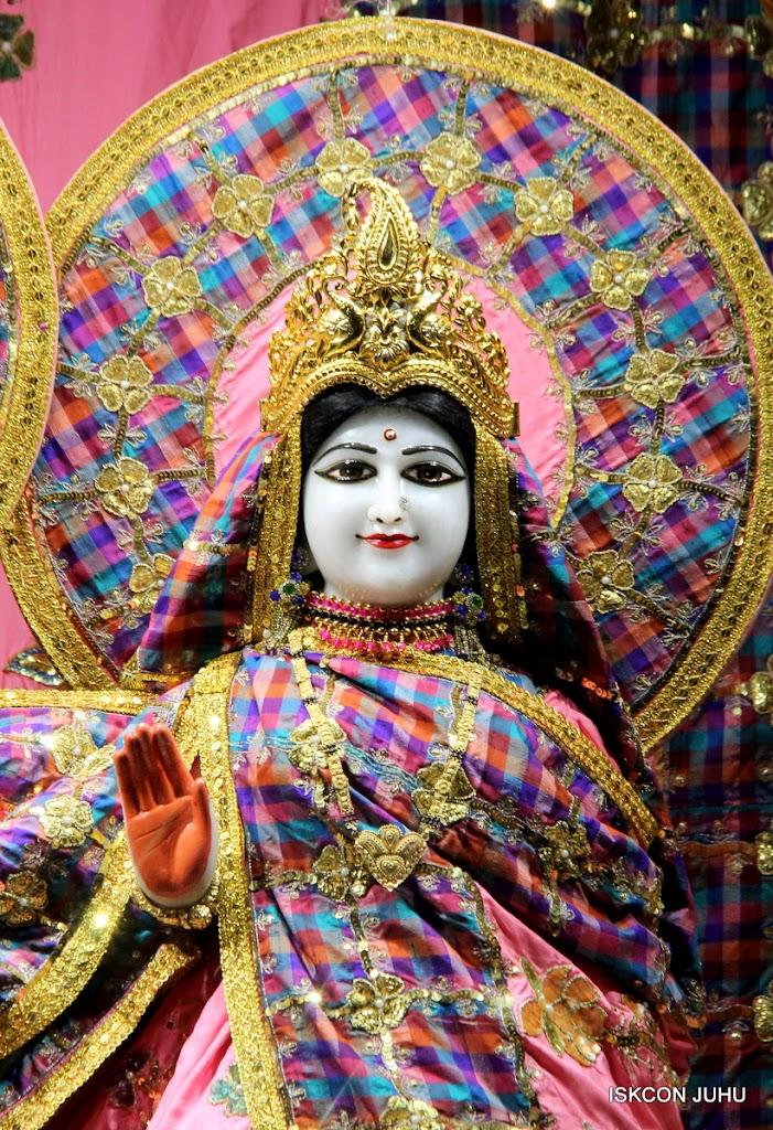 ISKCON Juhu Mangal Deity Darshan 09 Apr 16 (23)