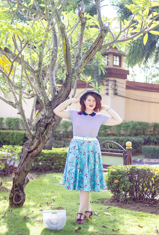 A vintage inspired natutical look with navy stripes & tropical prints | Lavender & Twill