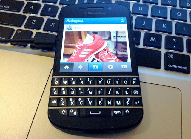path social network for blackberry in description