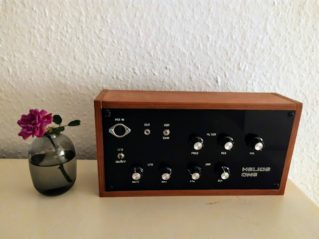 A hand built DIY synth using arduino