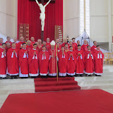 GP Vĩnh Long truyền chức linh mục