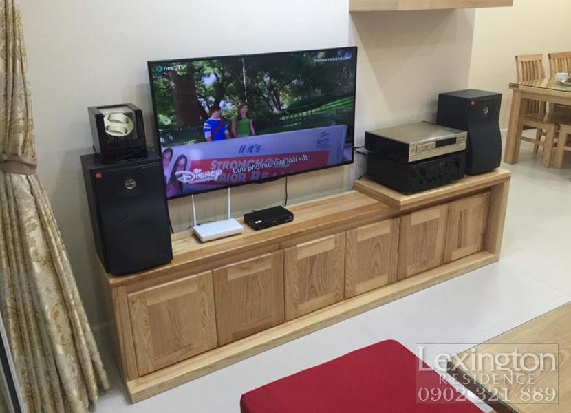 TIVI và kệ tivi cao cấp tại căn hộ cho thuê lexington