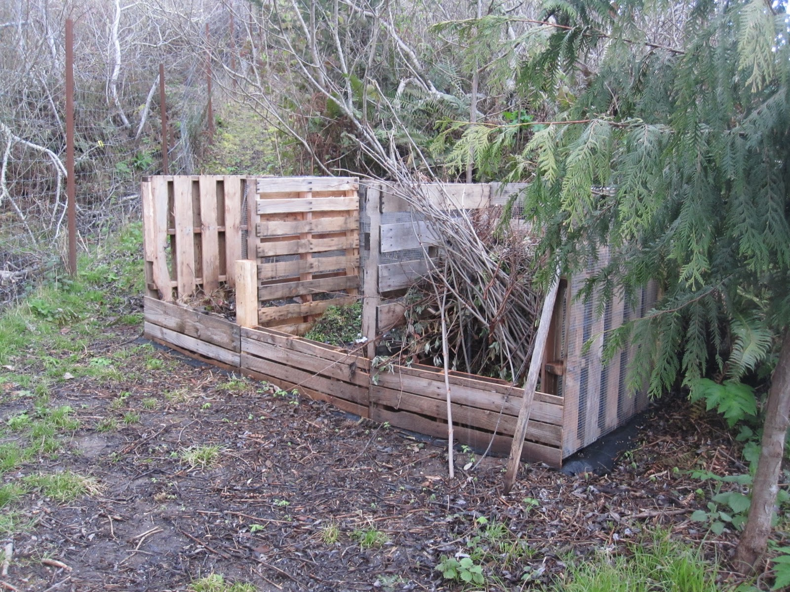 landscapes gardens design upcycled pallet compost bin