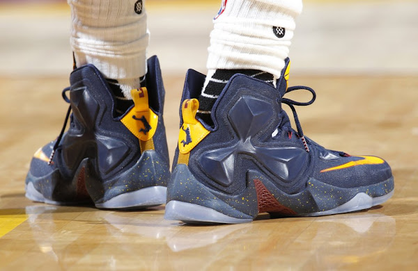 James Brings Dunkman to this Cavs Alternate LeBron 13 PEs