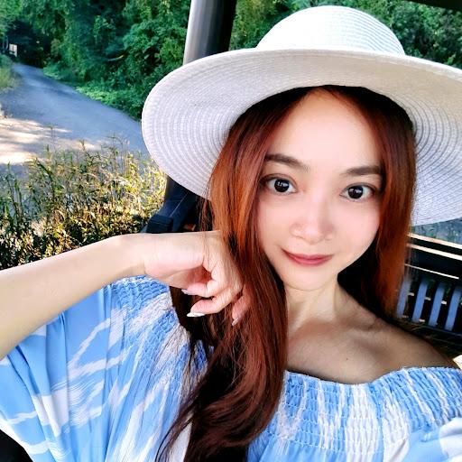 Vicky Tseng Photo 13