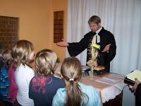 Požehnání dětem během bohoslužeb.