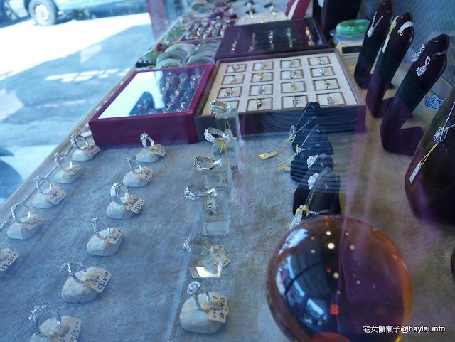 吉宏精品交流中心 專營包品、珠寶、錶飾等精品交易 有需要的朋友可以來看看 台中北區精武路217號 民生資訊分享