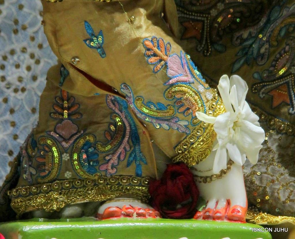 ISKCON Juhu Mangal Deity Darshan on 24th July 2016 (21)