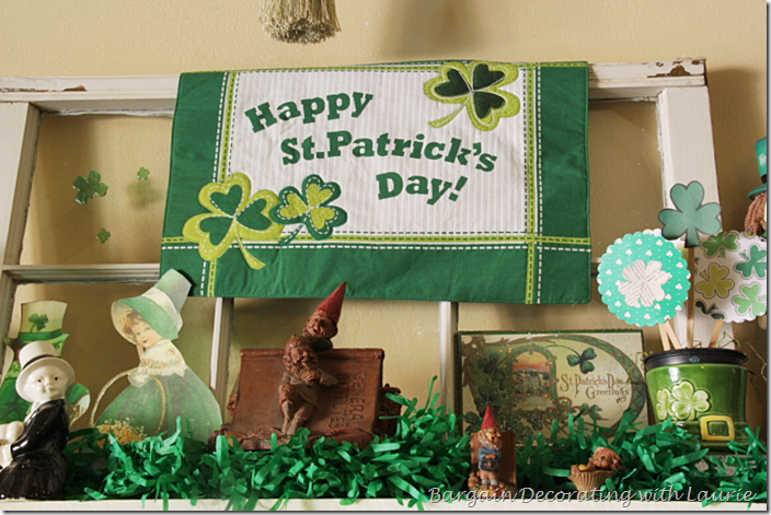 HAPPY ST. PATRICK'S DAY ON MANTEL
