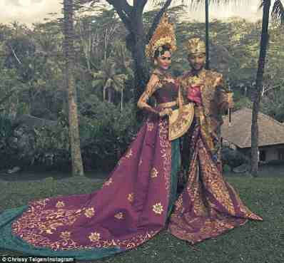 PHOTOS: Chrissy Teigen, John Legend Are Exquisite In Indonesian Traditional Outfit