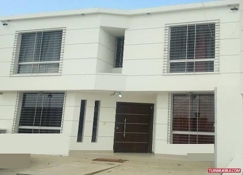 Vendo casa quinta moderna en san crist bal t cape parte for Casa quinta moderna