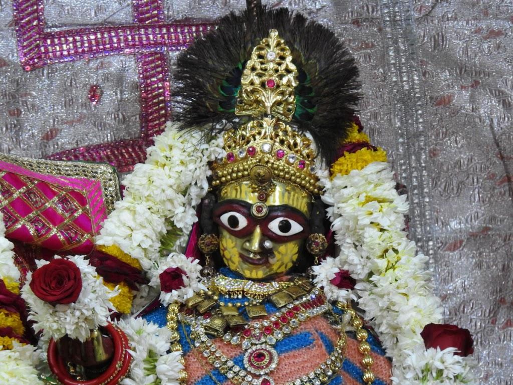 Radha Govind Devji Deity Darshan 07 Jan 2017 (6)