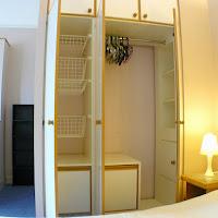 Room B-wardrobe