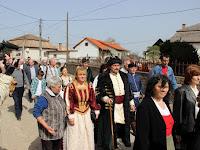07 Sokan öltözékükben a fejedelem korát idézték.JPG