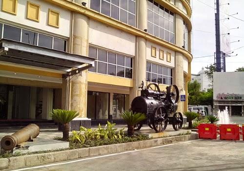 Meriam, kepala kereta dan air mancur, inilah penanda Museum Surabaya