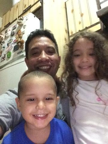 Papa, Sophia y Fabian Nosotros en una selfie